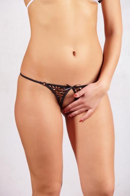С женское в интимных разрезом местах белье